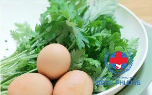 Cách chữa đau bụng kinh bằng ngải cứu trứng gà