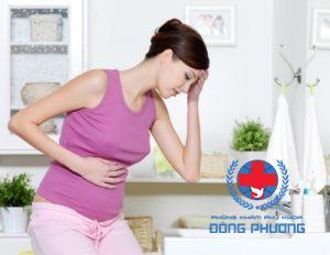 Ra khí hư màu vàng trong 3 tháng đầu có thể bị viêm âm đạo