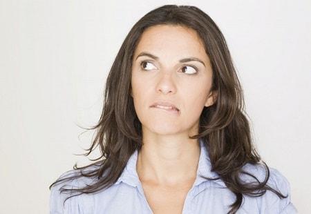 Ra khí hư màu nâu có phải mắc bệnh không?